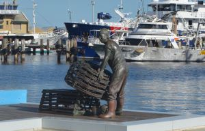 Public sculpture in this heritage community near Perth, Australia, reminds guests of the fishing traditions of the area.